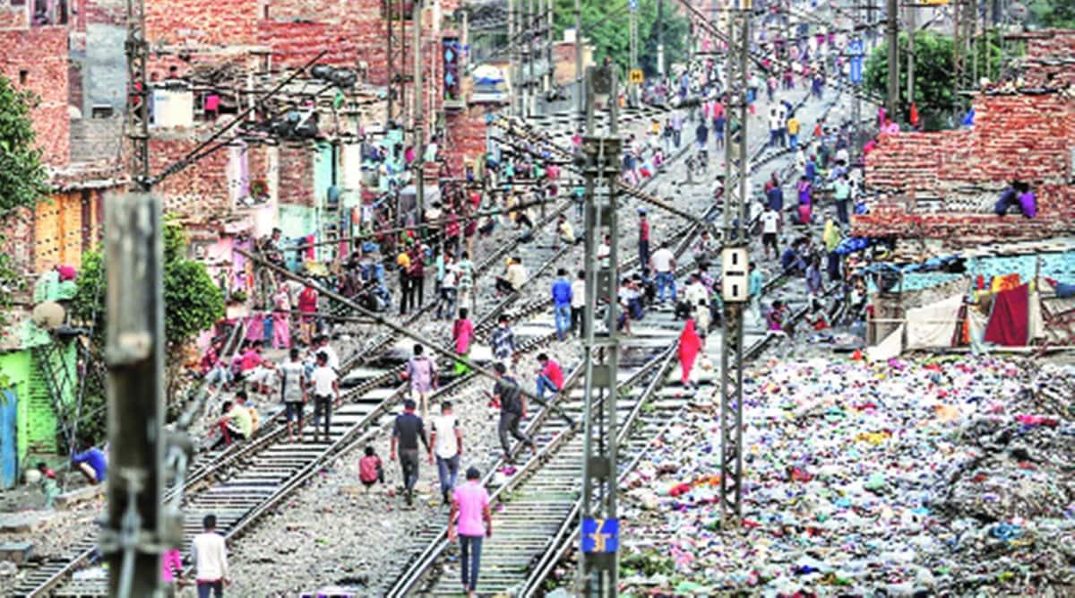 delhi slum demolition, delhi slums, delhi slums northern railways, delhi railways slums demolition, delhi government, delhi city news