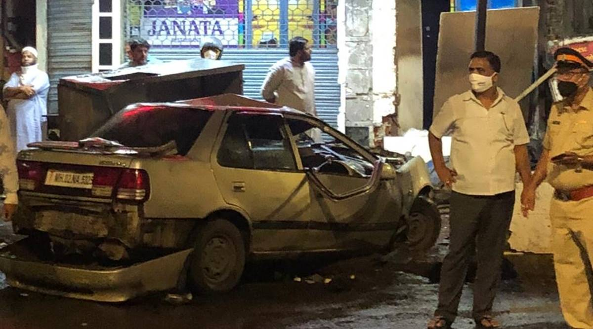 Mumbai accident, car kills 4 in Mumbai, Café Janata, Crawford market accident, Mumbai news, indian express