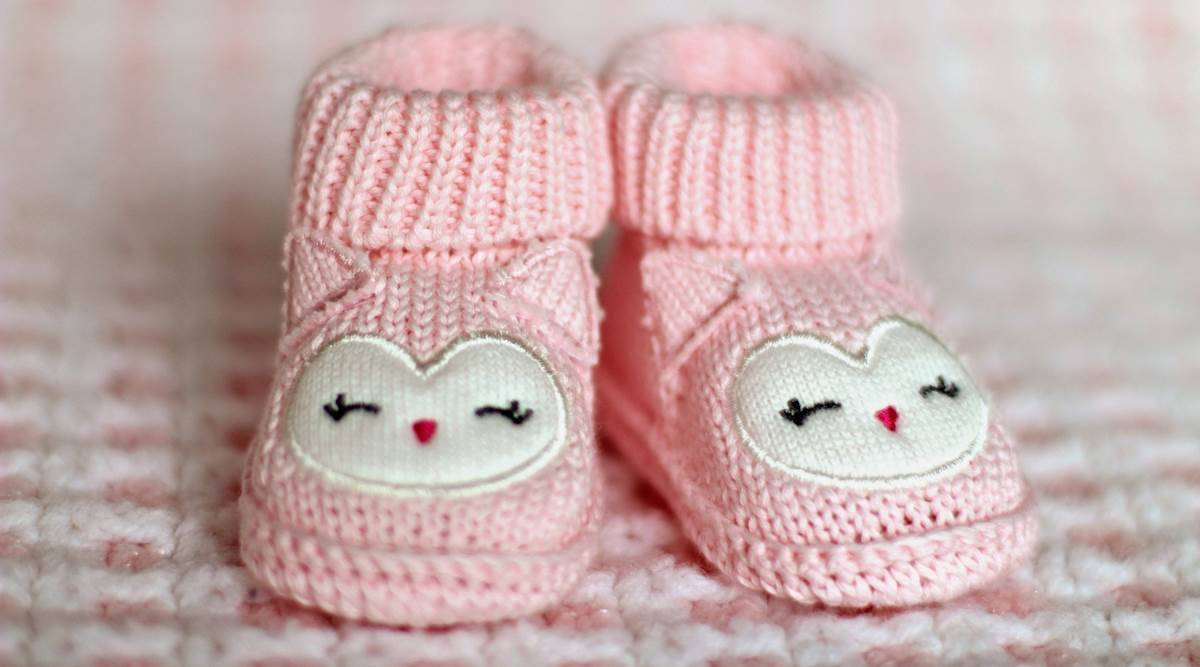toddlers, shoes for toddlers, shoes for babies, how to pick shoes for babies, things to keep in mind before buying shoes for babies, parenting, indian express news