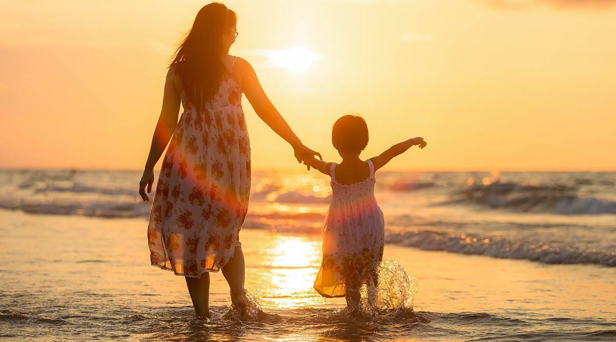 Daughter`s Day 2020: Top SMS, WhatsApp and Facebook messages for your angel!