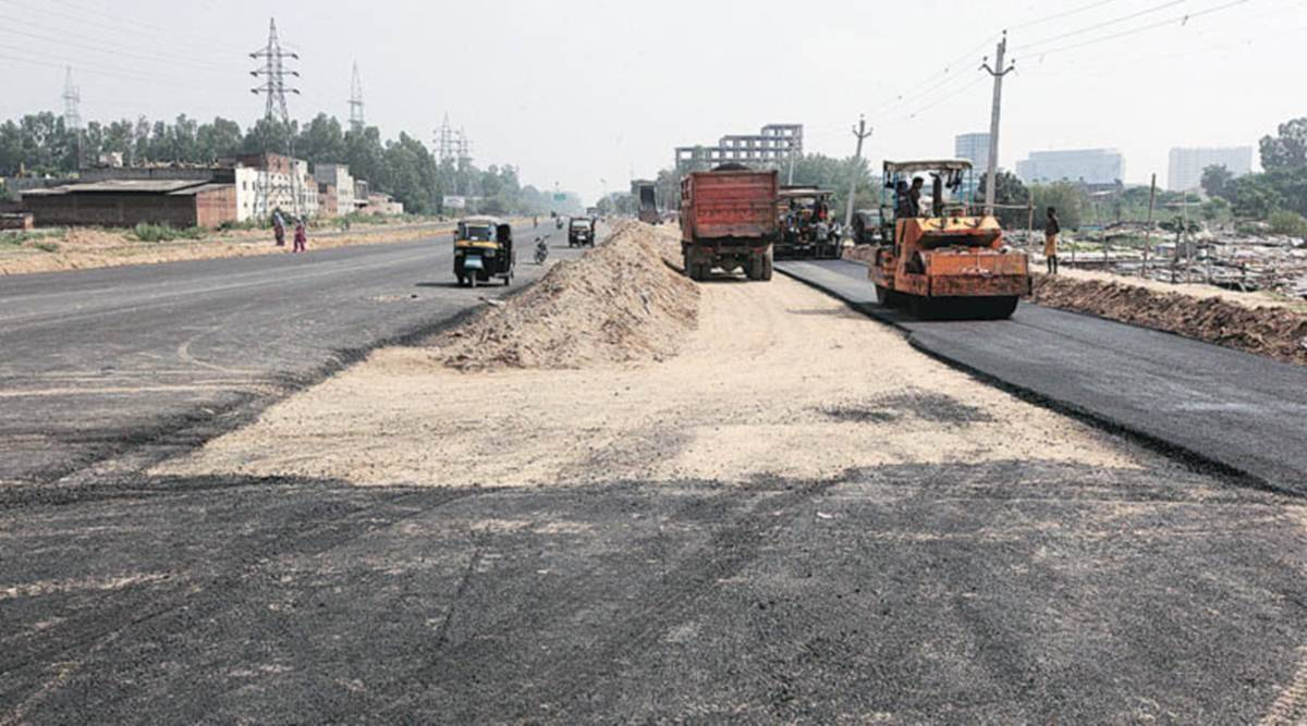 Devendra fadnavis, ashok chavan, maharashtra roads, maharashtra road construction, maharashtra public private partnership roads, indian express news