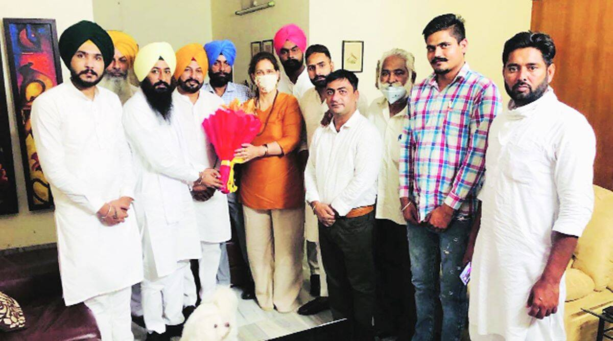 Punjab: Cong watches out for Sidhu's next move as his wife starts meeting party workers - The Indian Express