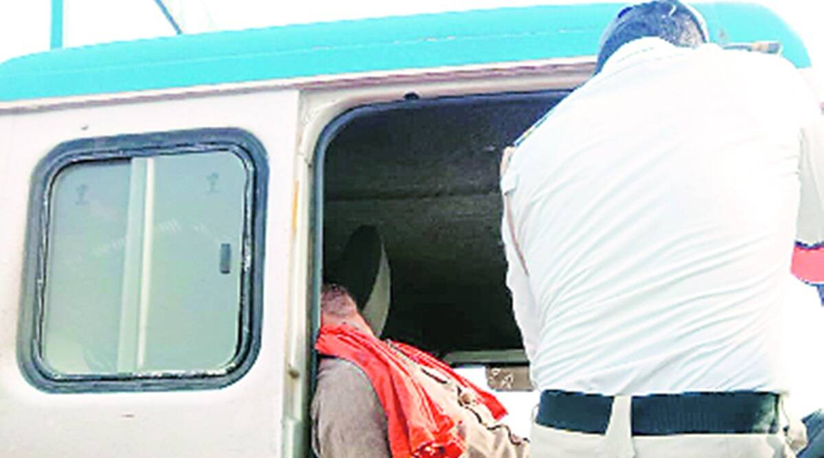 Pune-Solapur Highway, maharashtra traffic police, Pune-Solapur Highway tanker accident, Pune-Solapur Highway moving gas tanker control, maharshtra news, pune city news