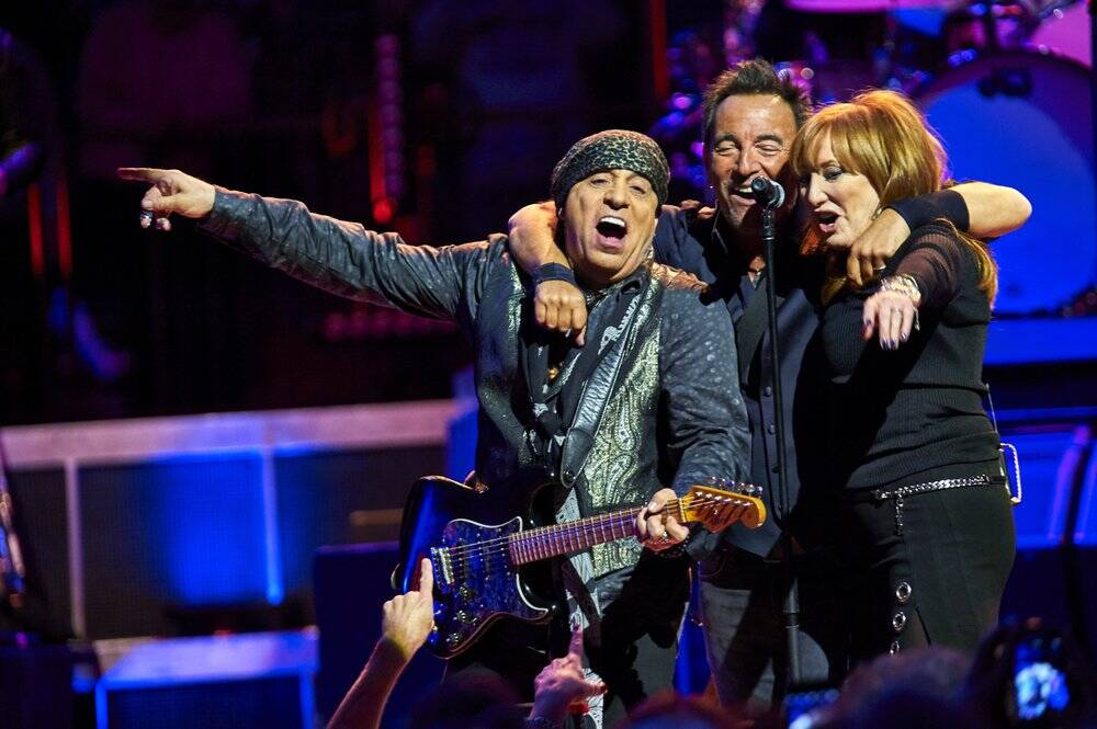 Bruce Springsteen with Stevie Van Zandt and Patti Scialfa