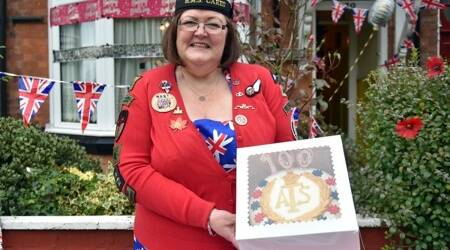 Britain, Cake lady, cake for wounded soldiers, Trending news, Indian Express news