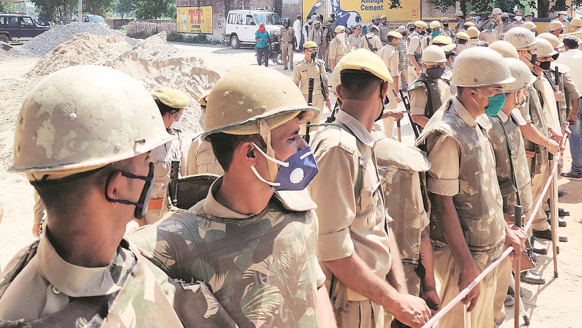 Hathras rape case: Under fire, UP Govt suspends SP, orders narco test of accused, victim families