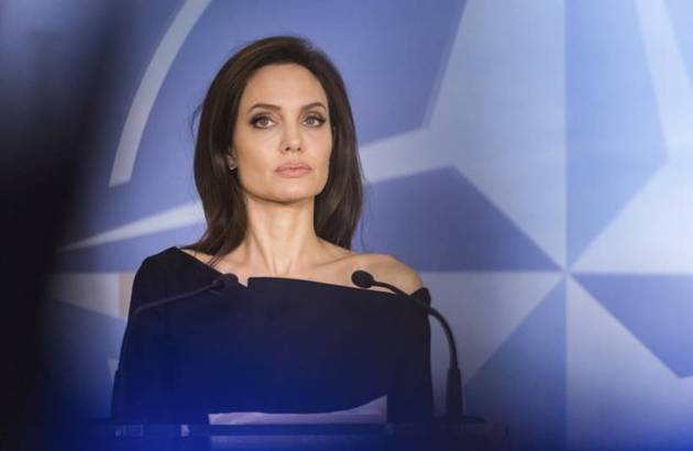 Angelina Jolie in Top 10 highest paid hollywood actresses