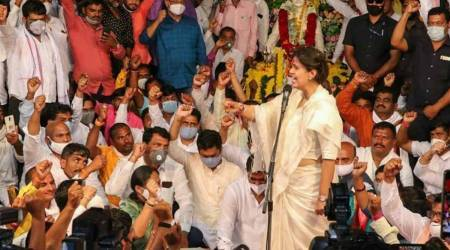 At annual Dussehra rally, Munde praises Thackeray, BJP downplays her remarks