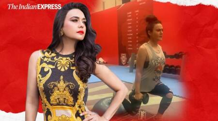 preity zinta, bosu ball, preity zinta fitness goals, lunges with bosu ball and weights, indianexpress, indianexpress.com,