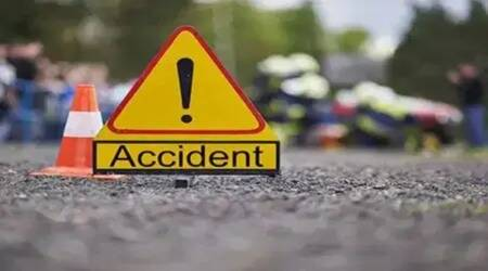Greater Kailash accident, Greater Kailash road accident, Greater Kailash accident deaths, Greater Kailash auto driver death, Greater Kailash auto accident, delhi city news