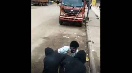 bengaluru robbery, Chickpet metro station, bangalore news, latest news, bangalore police, indian express