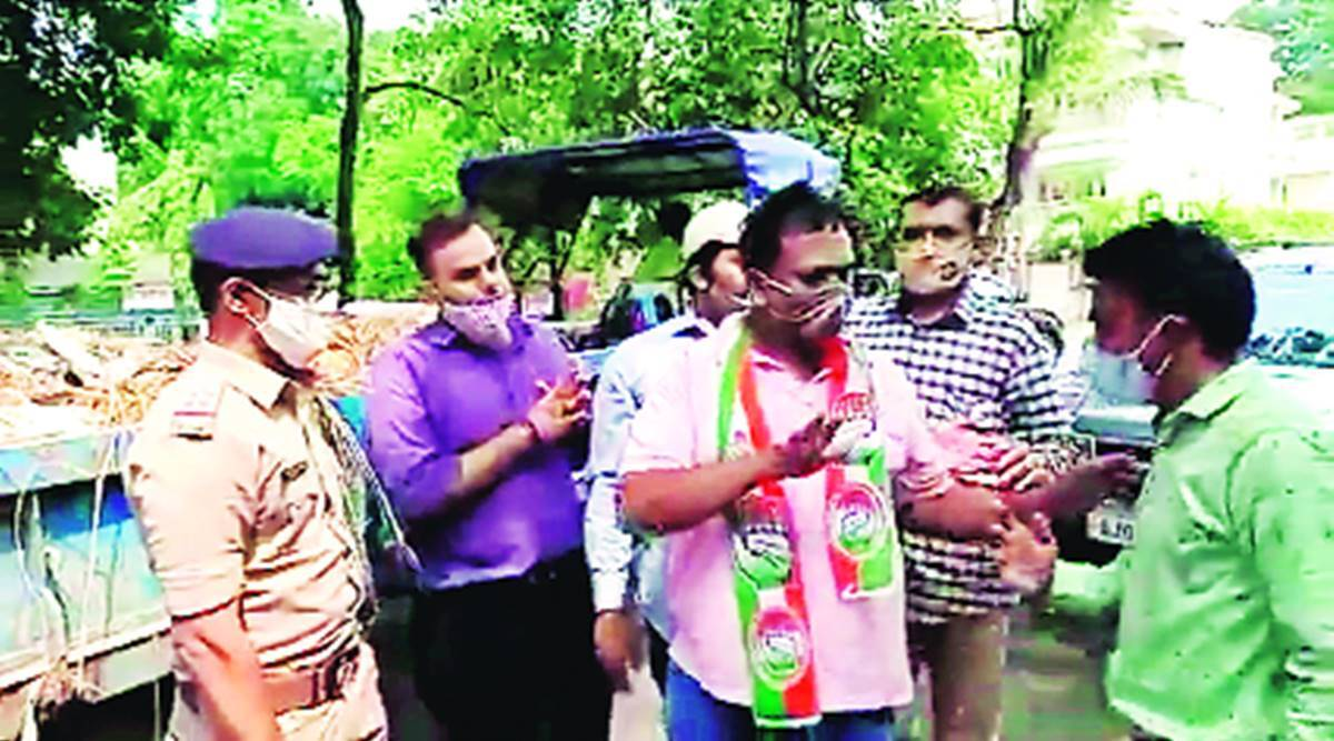 Three Cong leaders detained for lifting garbage in Surat