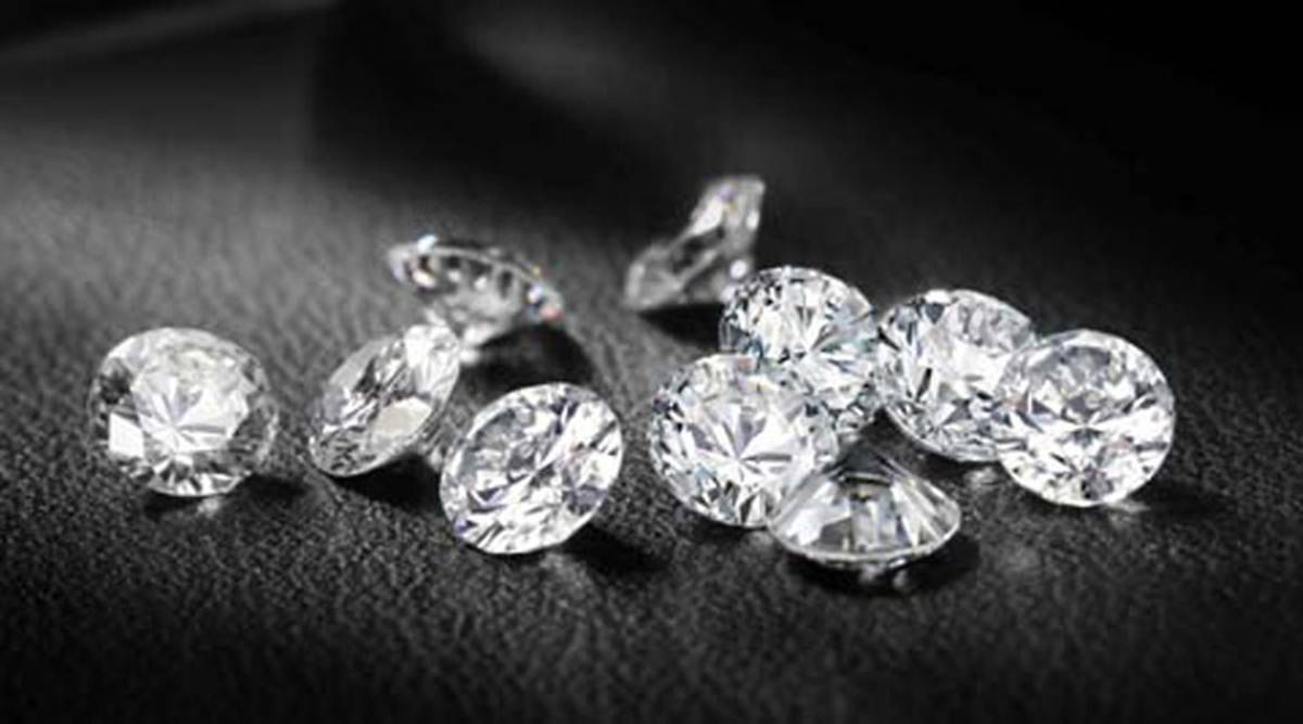 surat daimond traders, surat diamond traders mobile app, gujarat traders daimond app for selling diamond in india and abroad, surat engineers daimond merchant app, indian express news
