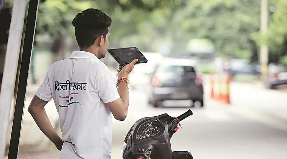 Door step delivery, delhi news, Delhi government, delhi mobile sahayaks, delhi sahayak helpline, delhi doorstep delivery, delhi sahakys, Delhi news, indian express