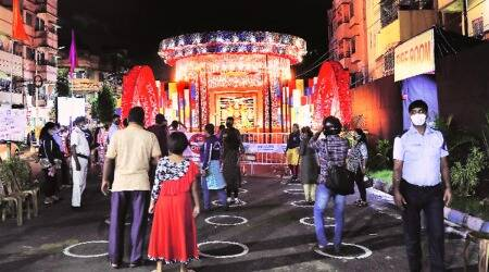 HC ban on Durga Puja pandals: Revellers to bank on giant screens for darshan, app for online pushpanjali