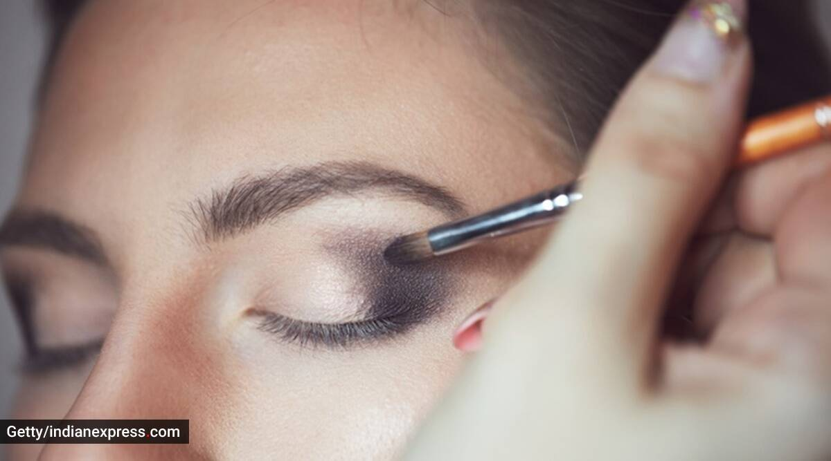 Makeup tips, skincare, festive season makeup, indianexpress.com, indianexpress, skincare tips, how to stay glowing, glowing makeup, how to let the makeup stay,