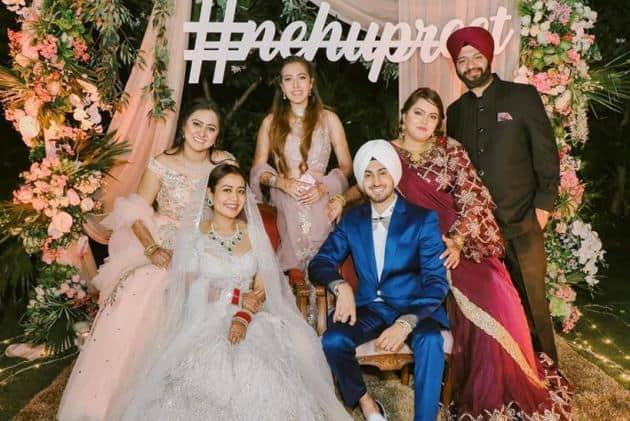 neha kakkar, neha kakkar reception, neha kakkar wedding, neha kakkar marriage, neha kakkar husband, neha kakkar wedding photos