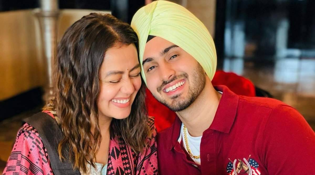 When Rohanpreet proposed Neha Kakkar for marriage, see pictures |  Entertainment News,The Indian Express