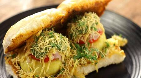 pattice pav, pattice pav recipe, indianexpress, indianexpress.com, how to make pattice pav, sanjeev kapoor recipes, how to make street food at home, easy street foods to make at home, mumbai street food, maharashtra street food,