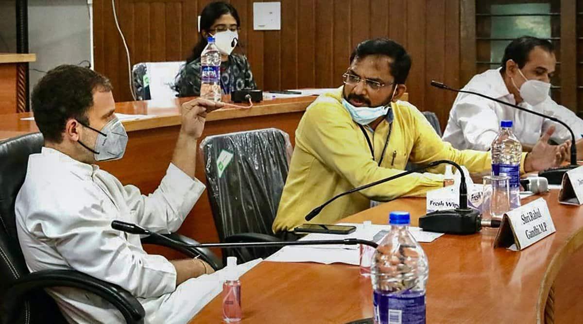 Rahul Gandhi attends COVID-19 review meeting at Malappuram