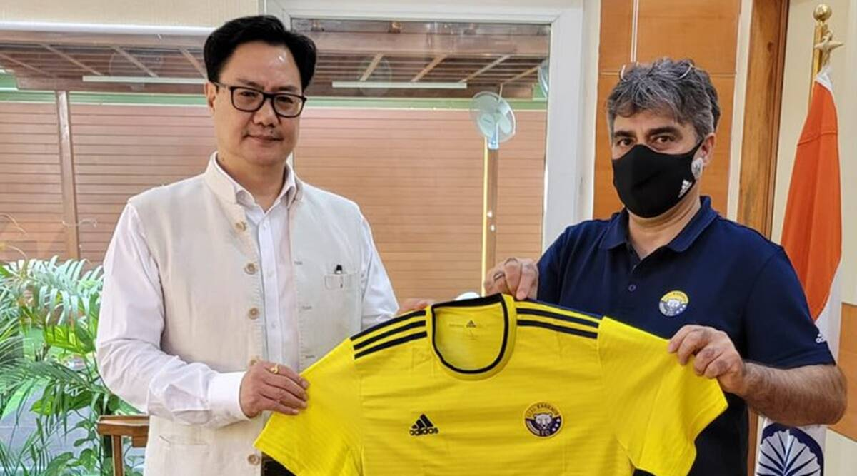 Real Kashmir FC chairperson apprises Kiren Rijiju of sporting activities carried out in valley