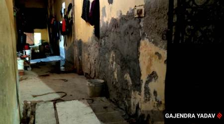 delhi man dies cleaning septic tank, delhi septic tank death, Badarpur septic tank cleaning, Badarpur death in septic tank, delhi city news