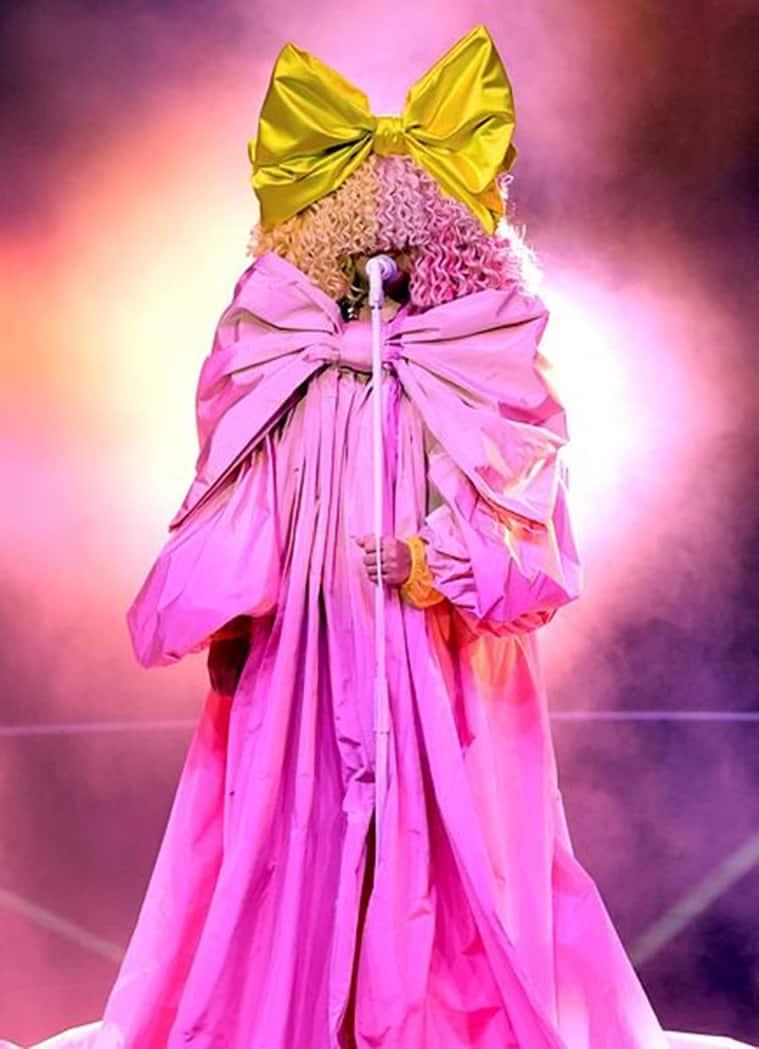 sia, billboard music awards 2020 fashion