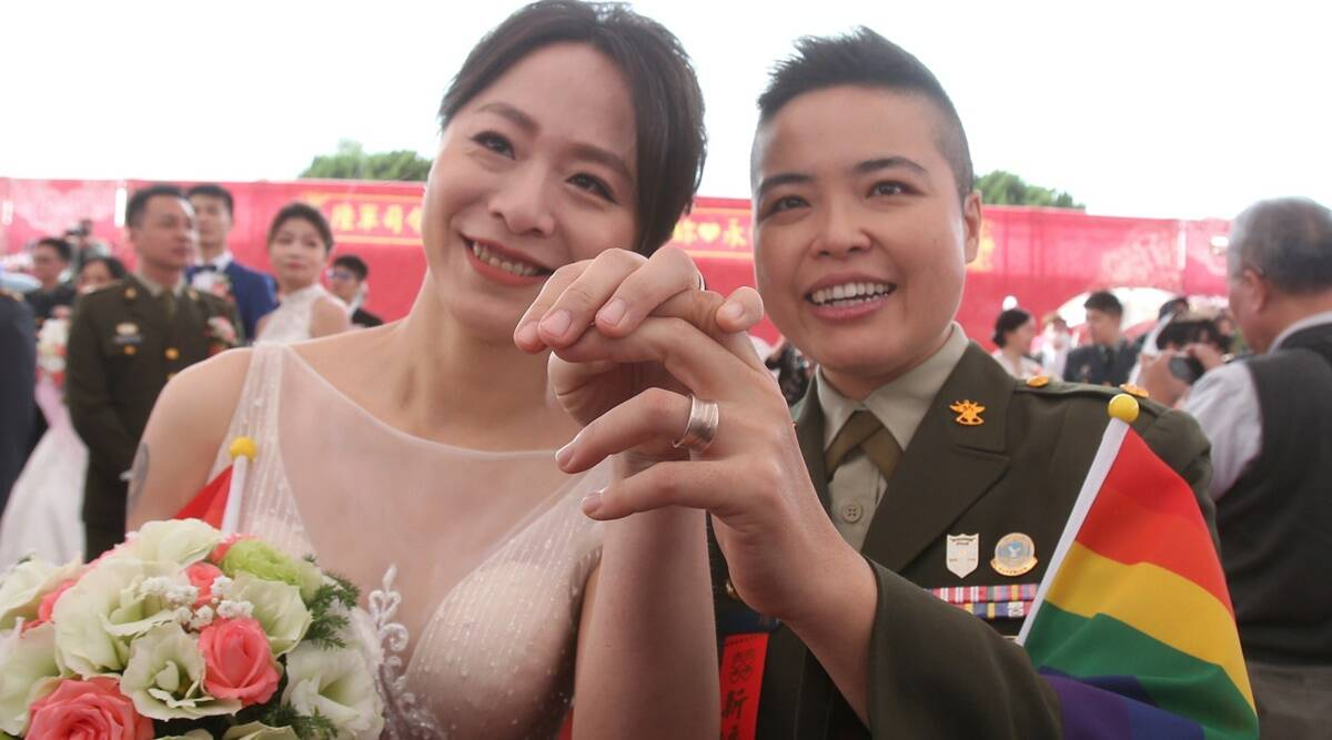 Taiwan same sex couple, Taiwan same sex couple marriage, same sex couple marriage Taiwan, Taiwan lesbian couple marriage, World news, Indian Express