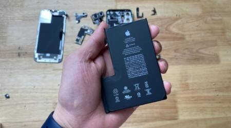 Apple, Apple iPhone 12 Pro Max, Apple iPhone 12 Pro Max teardown, Apple iPhone 12 Pro Max internals, Apple iPhone 12 Pro Max battery, Apple iPhone 12 Pro Max broken, Apple iPhone 12 Pro Max display, Apple iPhone 12 Pro Max features