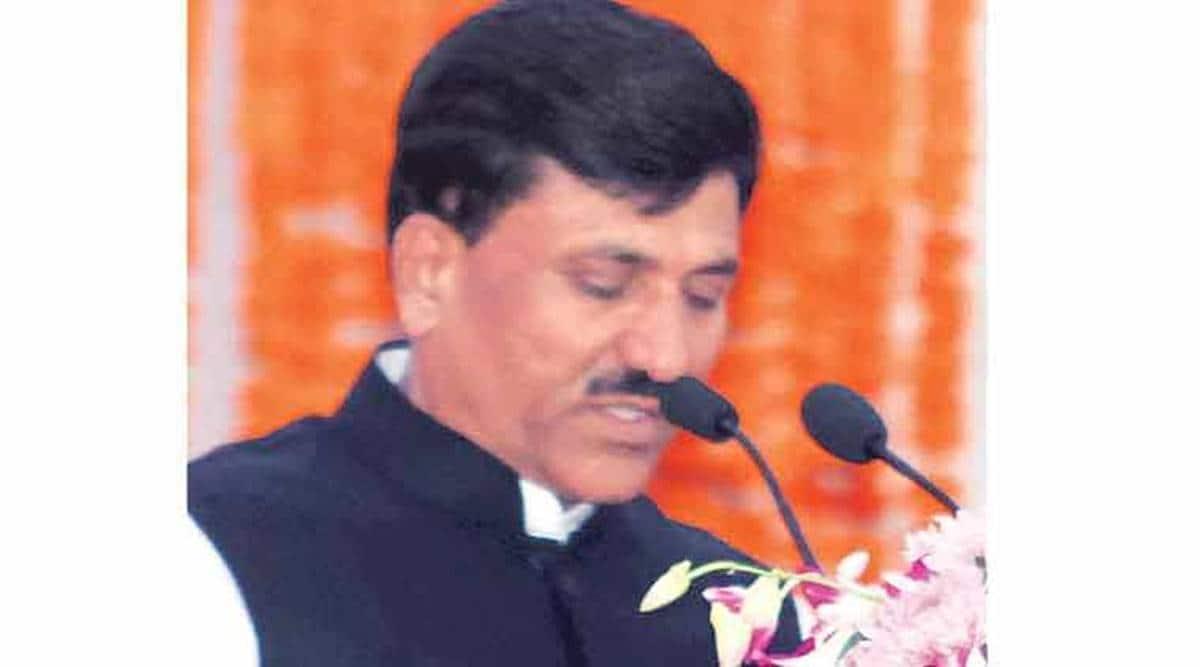 Maharashtra: Former BJP minister in spot for threatening policeman