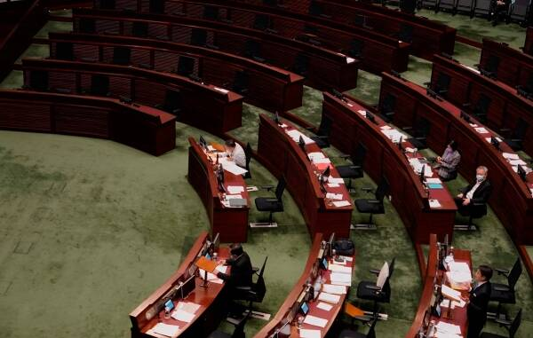 Hong Kong, Hong Kong pro-democracy lawmakers resign, Hong Kong politics, Hong Kong legislation, Indian Express
