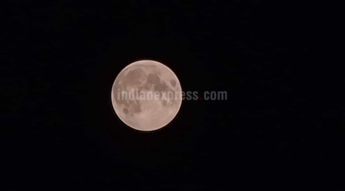 Lunar Eclipse 2020: Important fact about Nov 30 penumbral lunar eclipse thumbnail