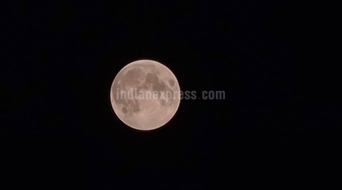 lunar eclipse, lunar eclipse November 2020, lunar eclipse 2020 date and time, lunar eclipse 2020 india, lunar eclipse timings, lunar eclipse india 2020, chandra grahan, chandra grahan 2020, chandra grahan 2020 date and time, chandra grahan 2020 facts, chandra grahan 2020 india, chandra grahan news, lunar eclipse facts, partial lunar eclipse 2020, partial lunar eclipse November 2020