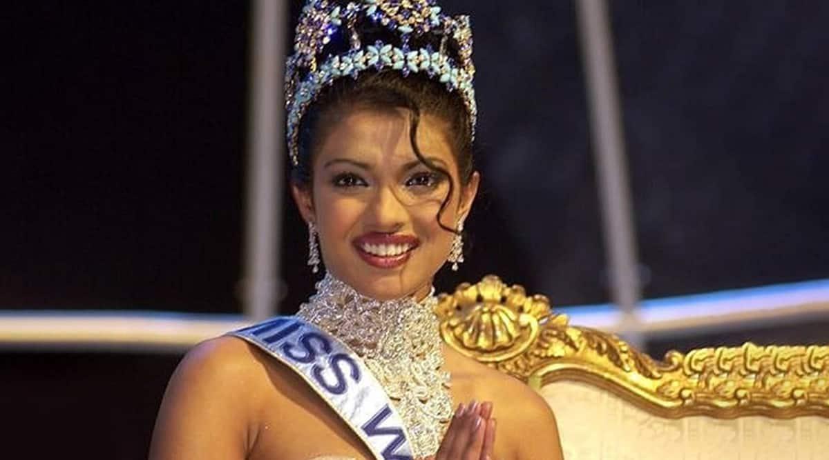 Priyanka Chopra had a wardrobe malfunction at the 2000 Miss World show