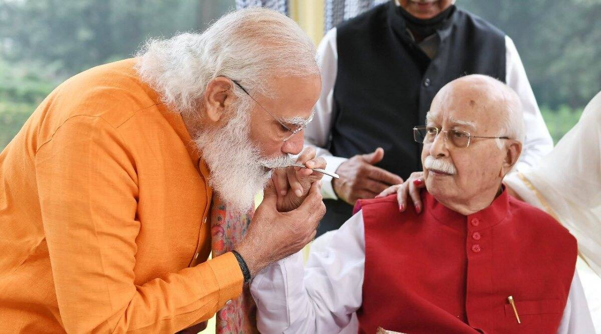 pm modi greets lk advani on 93rd birthday, lk advani birthday, jp nadda, amit shah, former bjp president, om modi news, lk advani news, indian express