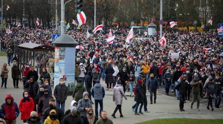 Thousands protest in Belarus amid continued crackdown