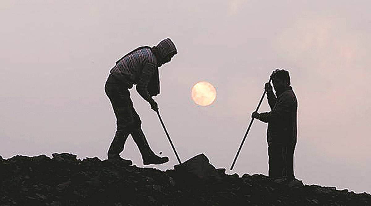 Pune illegal sand mining, SAUNDH RIVER BED, pune police, arrests over sand mining, illegal sand mining racket, Pune news, Pune police