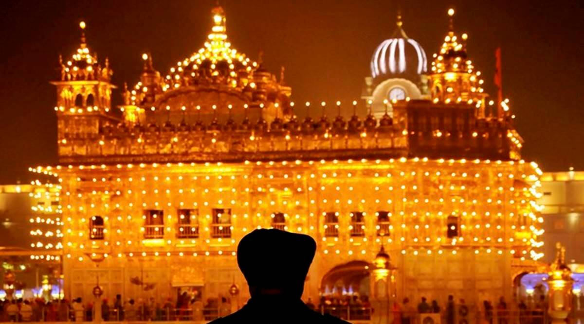 Around the year 1485, a 16-year-old boy named Nanak moved to Sultanpur Lodhi in Punjab, where he lived for the next 14 years. Each day before sunrise,