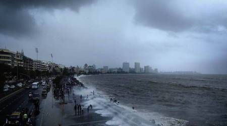 Blue tide on mumbai beaches, Maharashtra's shoreline, Mumbai news, Maharashtra news, Indian express news