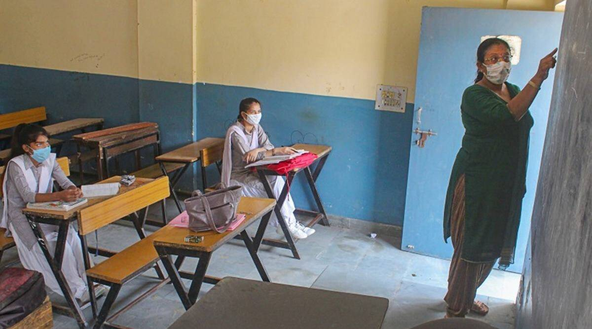 Maharashtra education dept asks civic bodies to support schools in buying necessary Covid items