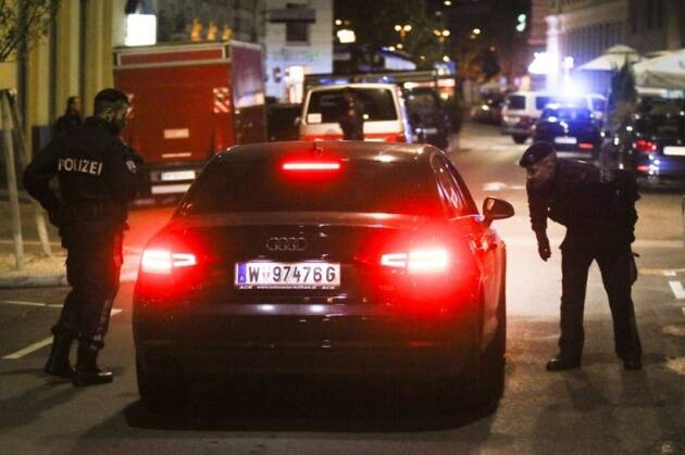 Vienna attack, Vienna synagogue attack, Vienna synagogue terror attack, Vienna terror attack, Austria synagogue attack, Austria attack, Austria terror attack, World news, Indian Express