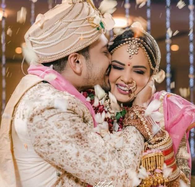 celeb weddings, celeb weddings 2020, neha kakkar wedding, gauahar khan wedding, sana khan wedding, rana daggubati wedding, sana khan wedding, yearender 2020