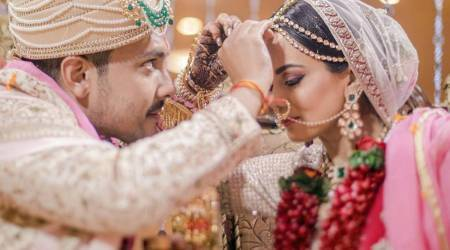 9 beautiful photos from Aditya Narayan and Shweta Agarwal's wedding