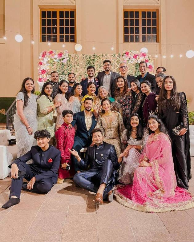 gauahar khan and zaid darbar family photo