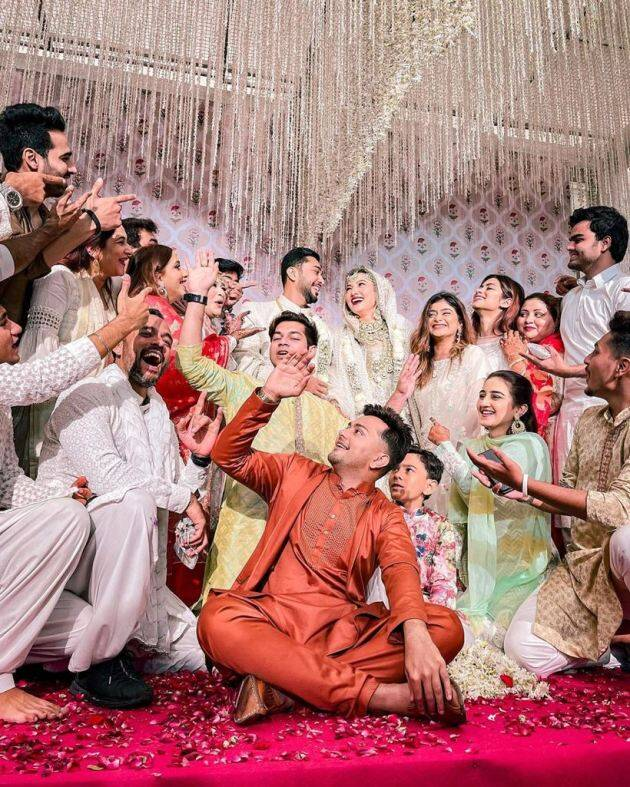 gauahar khan zaid darbar family wedding new photos