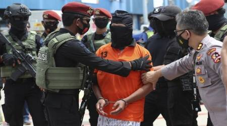 Indonesian police transfers convicts to the capital