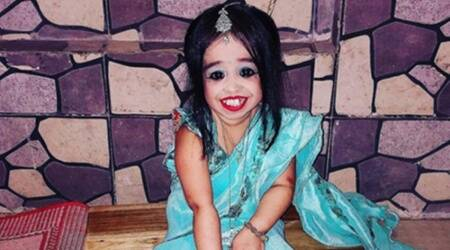jyoti kisanji amge, amge, jyoti amge news, shortest living female, guinness world records, world record holder, indianexpress.com, indianexpress,