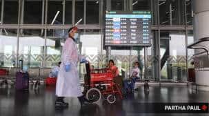 footfall at IGI Airport, Delhi Airport, Delhi covid cases, Delhi news, Indian express news