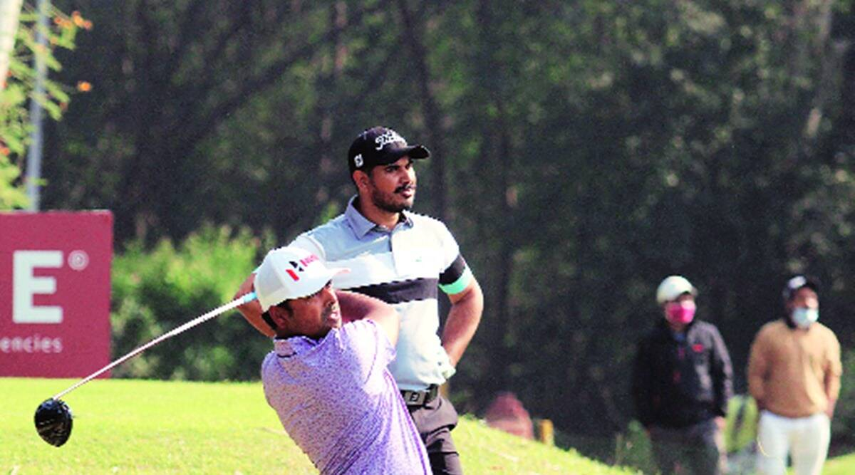Bengaluru golfer Khalin Joshi stays in lead after recovering from injured wrist on opening day