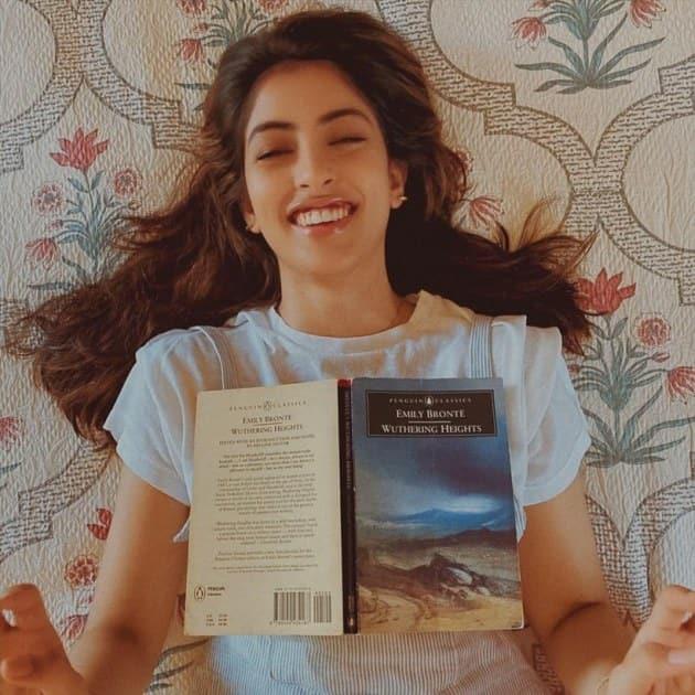 navya books